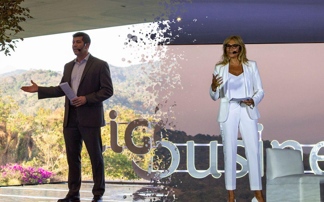 Fernando Palomo y Adela Micha dieron conferencia